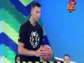 视频-易建联综艺节目秀球感 反弹投篮九十秒中十五个