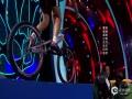 视频:中国梦想秀 周立波上阵表演双车特技