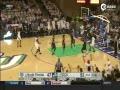 视频-血腥残暴! NCAA悍将上演一记惊世隔扣