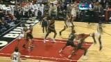 视频-佩顿正式入驻名人堂 手套NBA生涯完整回顾