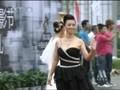 视频:长春电影节红毯 翁虹性感黑裙亮相
