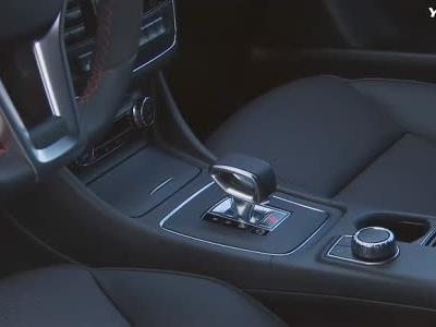 视频:外观独特 2014款奔驰CLA 45 AMG