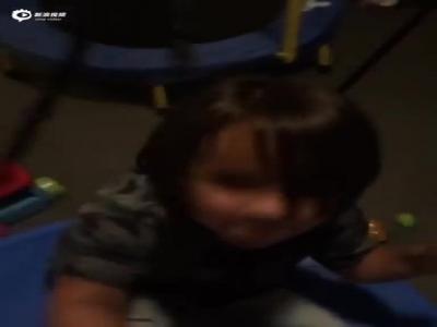 视频-福勒爱上戴伊儿子 赛前疯玩不可开交