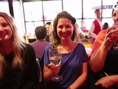 巴黎酒吧直击法国升级