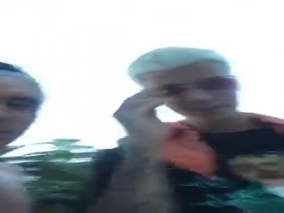 视频-福勒与比伯共庆美国独立日