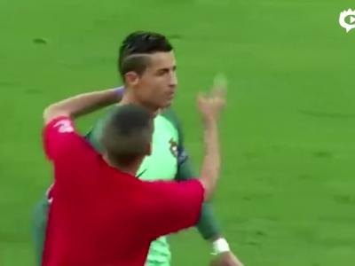 球童赛前误闯葡萄牙合影
