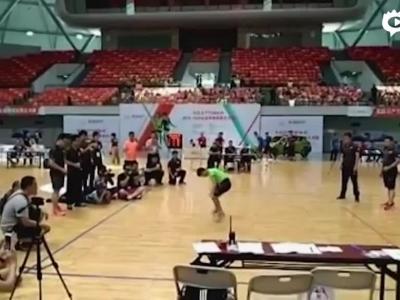 小学生跳绳30秒222个