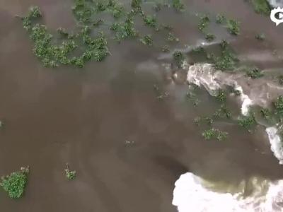 航拍湖南堤坝溃口现场