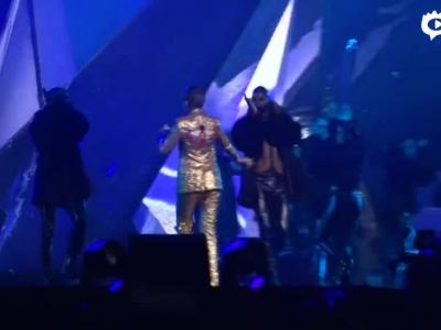 李宇春个唱挑战钢管舞 4大超模上演时尚秀