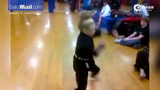 英10岁武术女神童晒打斗视频 精湛武艺引围观