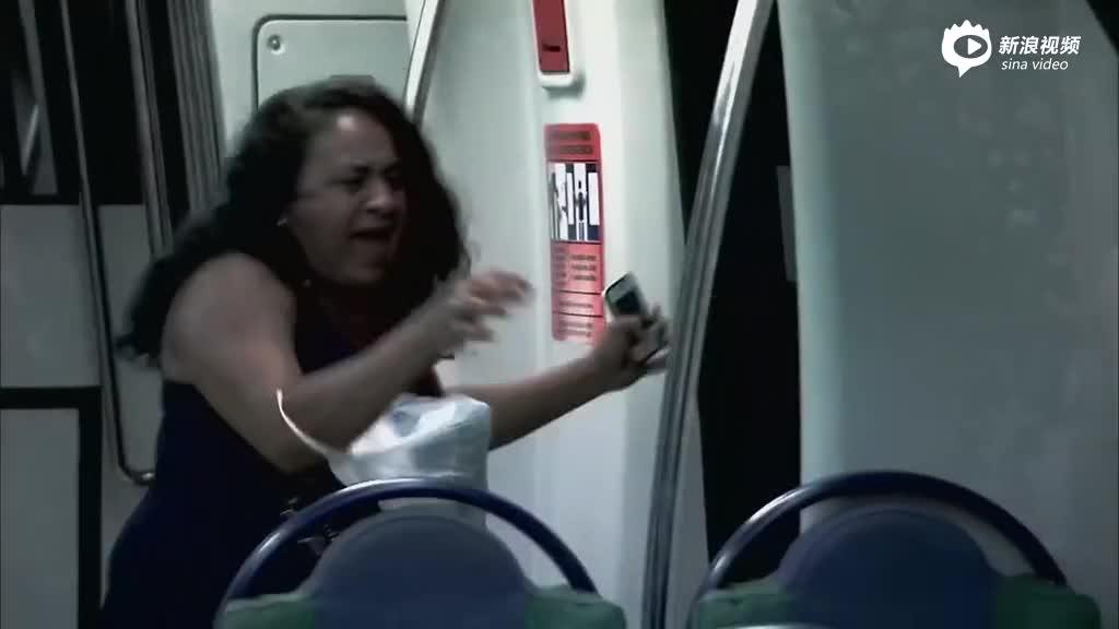"""惊魂!巴西地铁恶作剧让你体验真实版""""釜山行"""""""