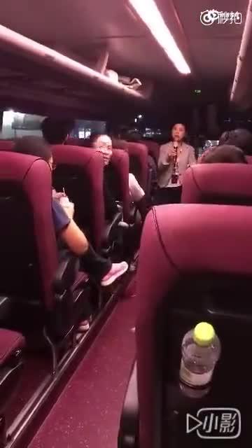 实拍北京小伙韩国旅游 因不愿购物被韩导游怒骂