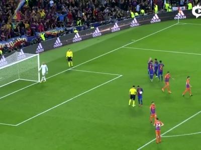 梅西连过3人工点球 大方赠送内马尔却罚丢