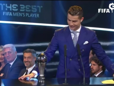 FIFA颁奖礼C罗获最佳
