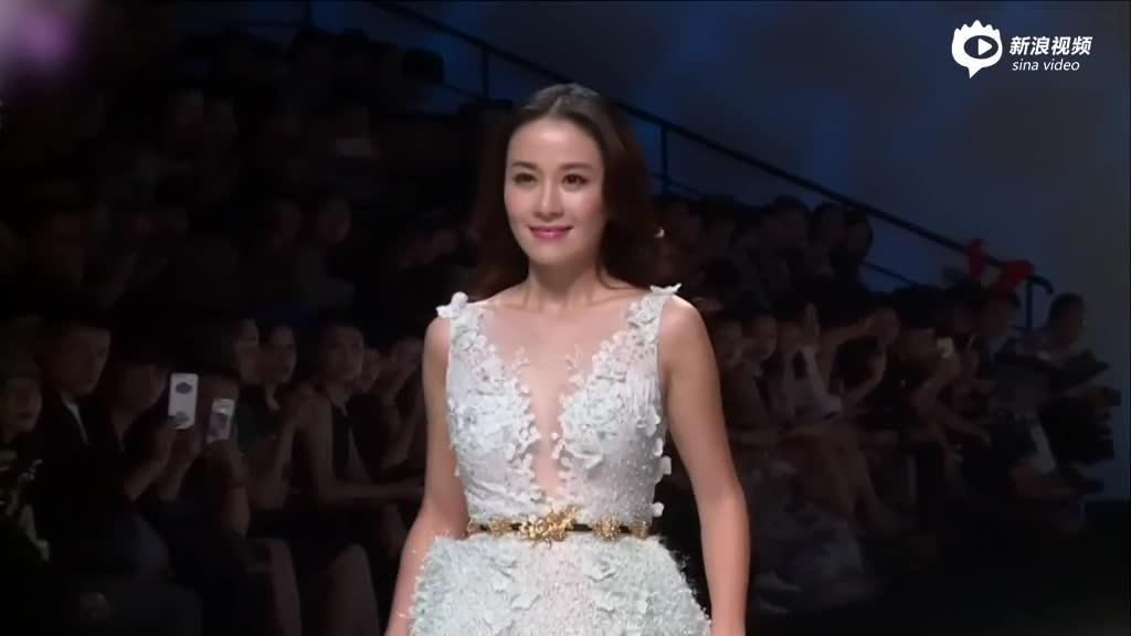 视频:要分手的节奏?叶璇删光与男友恩爱微博图片