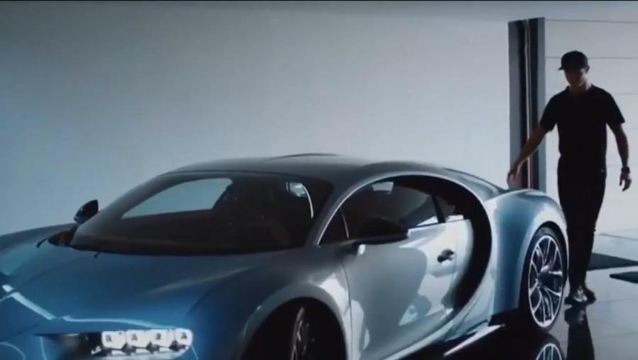 视频-C罗最新跑车广告 秀车技急速飞驰狂拽酷炫
