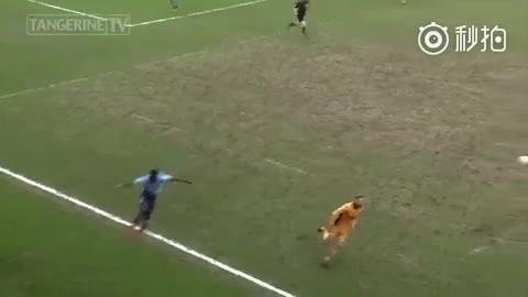 视频-传给6秒后的自己!英乙前卫复制贝尔式超车进球