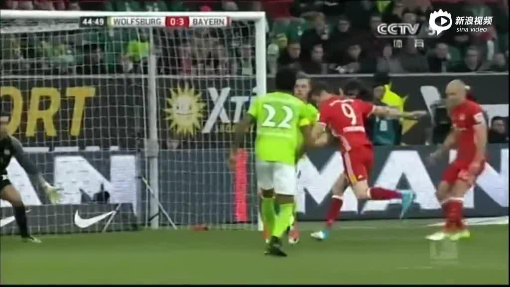 视频集锦-莱万双响穆勒传射 拜仁6-0提前三轮问鼎德甲