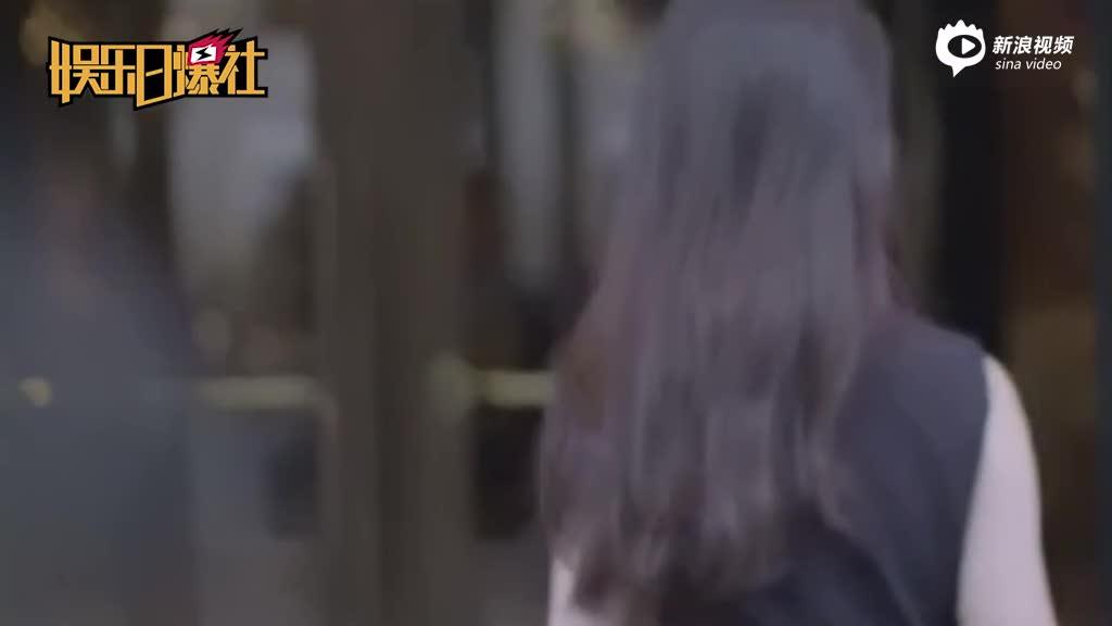 """刘亦菲游云南获""""土豪""""相陪?粉丝:那是保镖"""