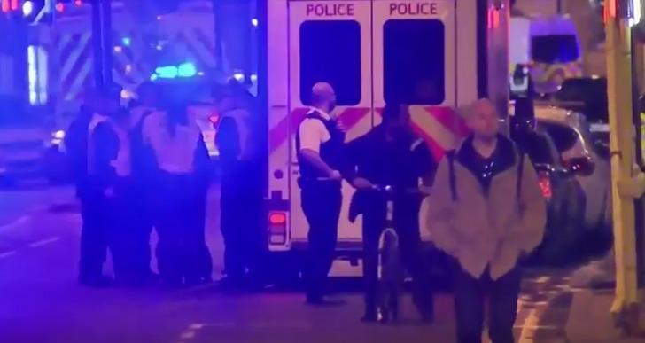 英国:伦敦桥发生车撞人事件 至少1人亡