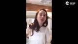 视频:唐嫣清唱《小幸运》声音甜美 忘词躲镜头超羞涩