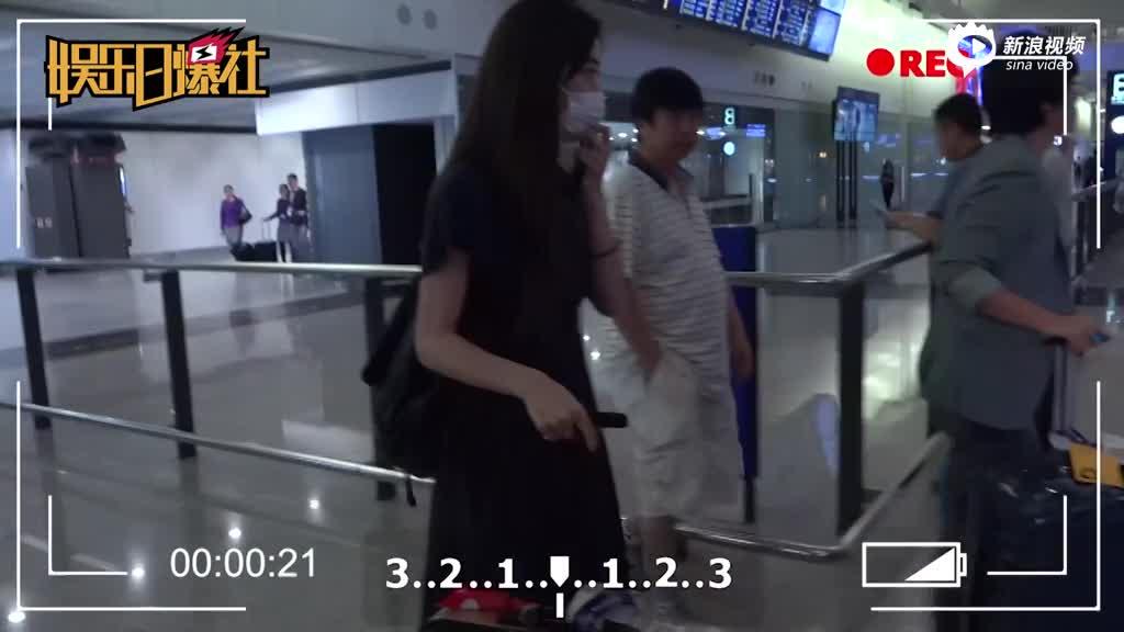 松冈李那称与周焯华只是朋友