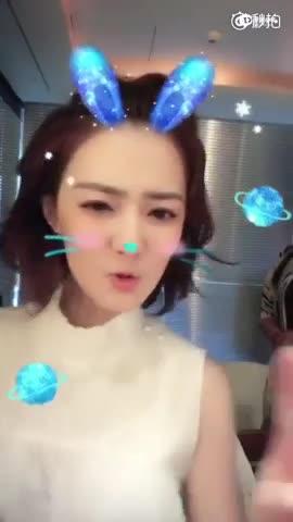 """闪光少女徐璐分享童颜秘籍跳""""啾啾""""舞萌翻"""