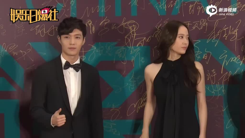 张艺兴晒蝶泳视频秀完美身材