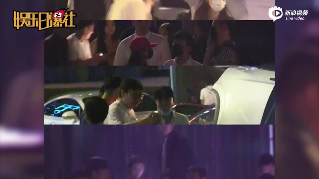 王思聪与baby同唱KTV
