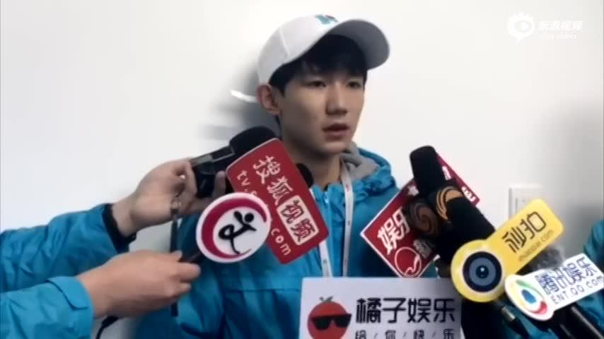 视频:王源为帮病人学方言