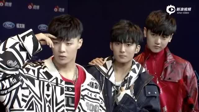 亚洲新歌榜X玖少年团亮相红毯