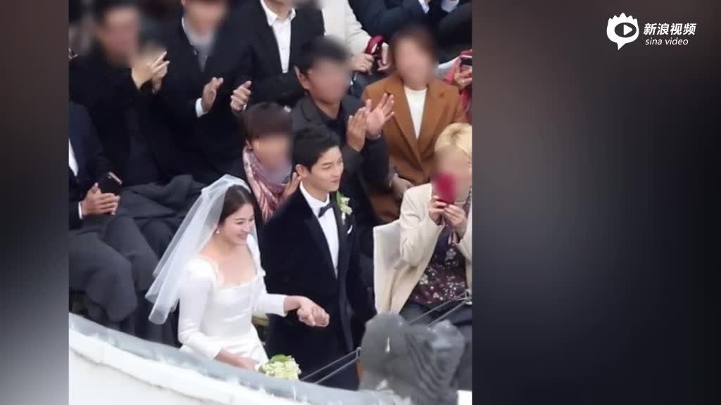 视频:双宋大婚甜蜜亲吻章子怡开心和新郎合影