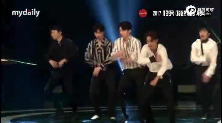 视频:韩国大众文化艺术颁奖礼EXO祝贺演出