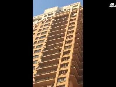 哈尔滨道外一高层民宅发生爆炸 住户受伤入院检查