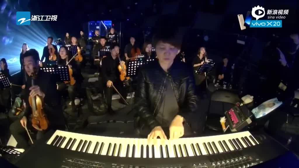 视频:《梦想的声音》张靓颖改编《青城山下白素贞》