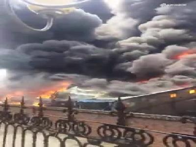 南宁五一路旧电厂起火 浓烟滚滚