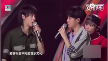 视频:吴青峰华晨宇为选手拉票 李宇春扇扇子淡定吃瓜