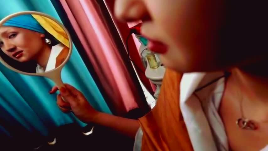 整容級化妝術 重慶少女化妝模仿戴珍珠耳環的少女