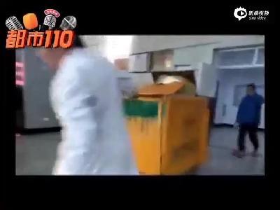 吕梁市人民医院:隐患重重!医院竟在呼吸科病房外焚烧垃圾