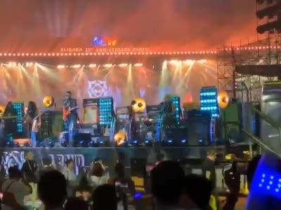 马云演唱《怒放的生命》
