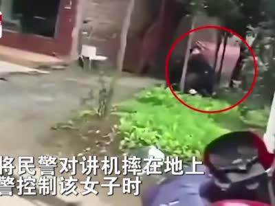 四川巴中两人因经济纠纷拦车并袭警,警方:采取强制措施