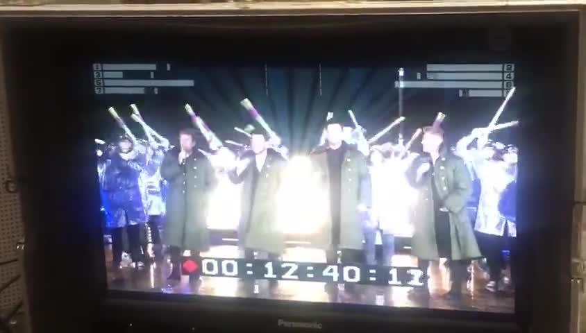 视频:到北京卫视跨年 谁也别想逃过军大衣