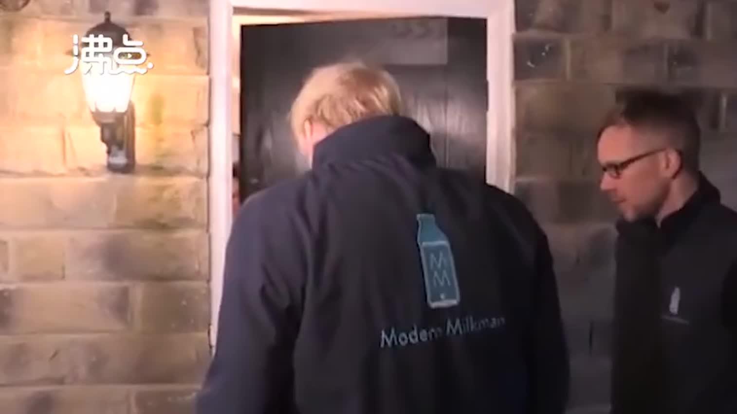 视频-真心还是作秀?大选最后一天 英国首相给居民