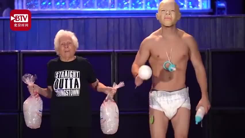 视频-93岁奶奶和孙子cosplay走红 天真童
