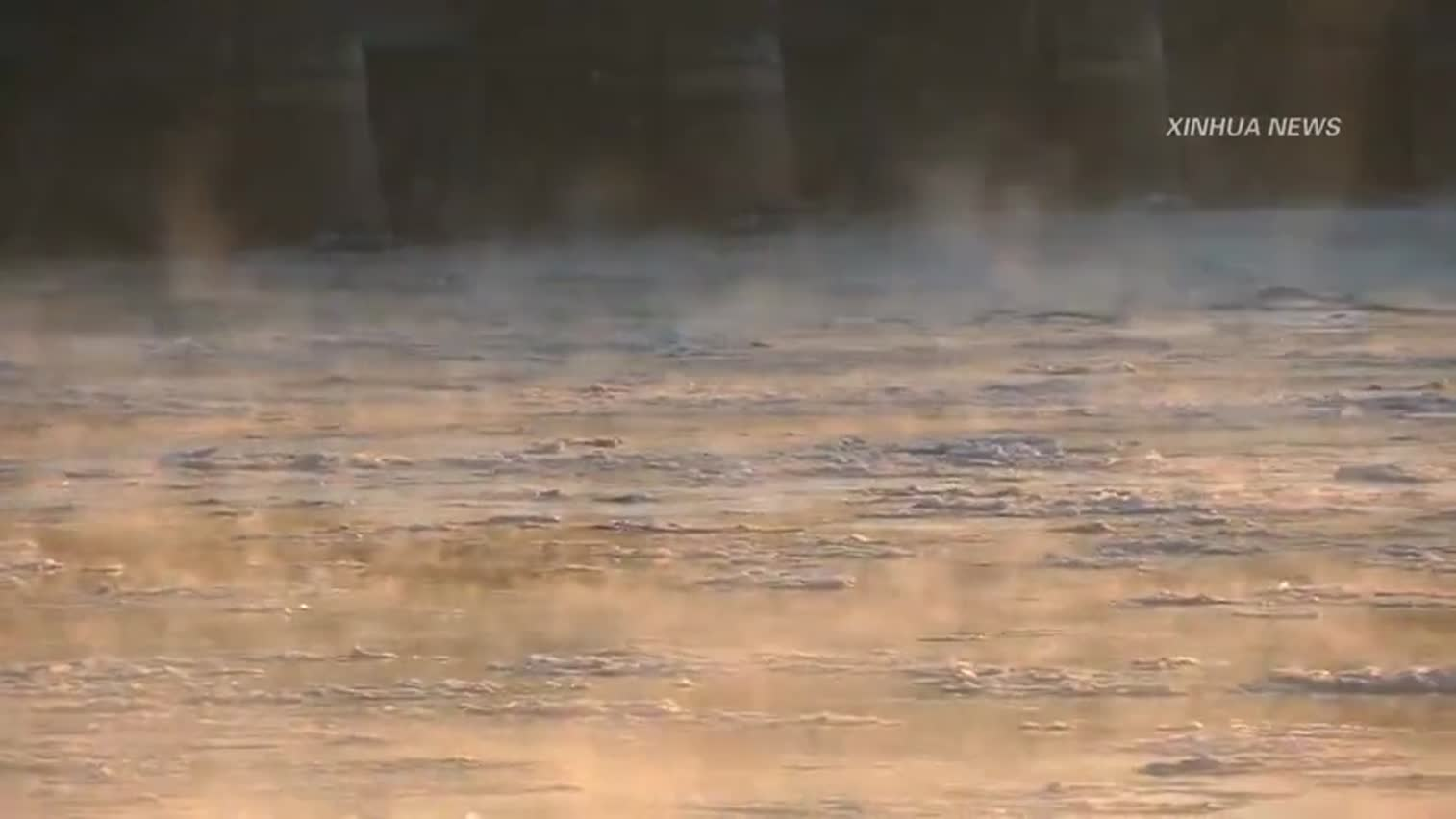 视频-内蒙古出现水煮黄河景观