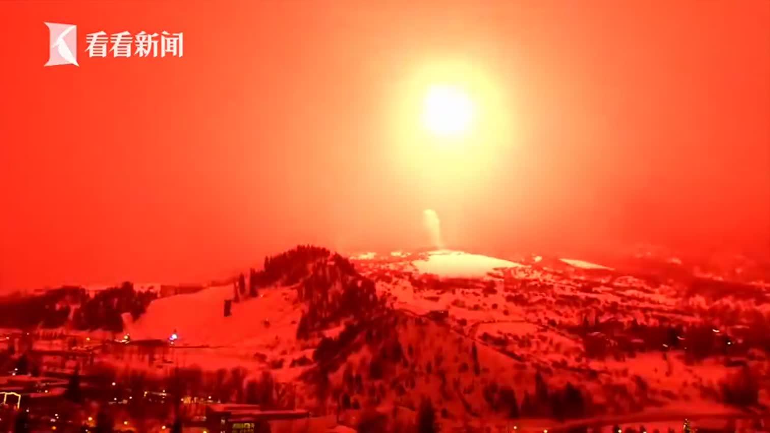 视频-重达1.27吨!美国放全球最大烟花 映红黑