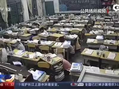 云南巧家发生5.0级地震 师生上演教科书式撤离