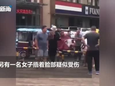 商丘发生砍人事件!男子当街追砍前妻 致两人受伤