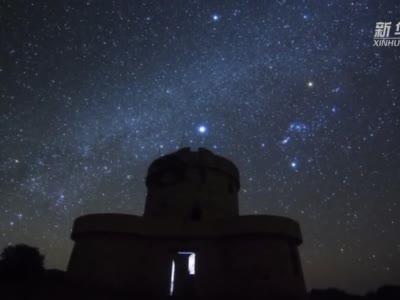 (延时摄影)看璀璨星空下的大美云南