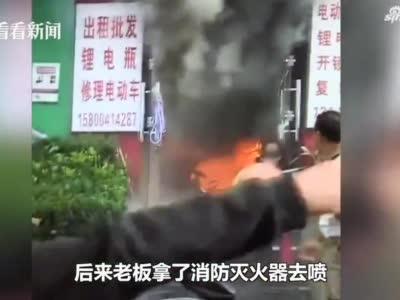 浦东一修车铺突发火灾致3人死亡 起因又是...